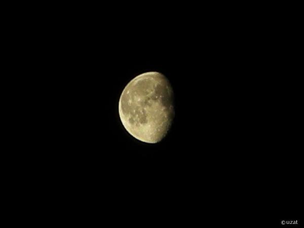 コンデジで月を撮影