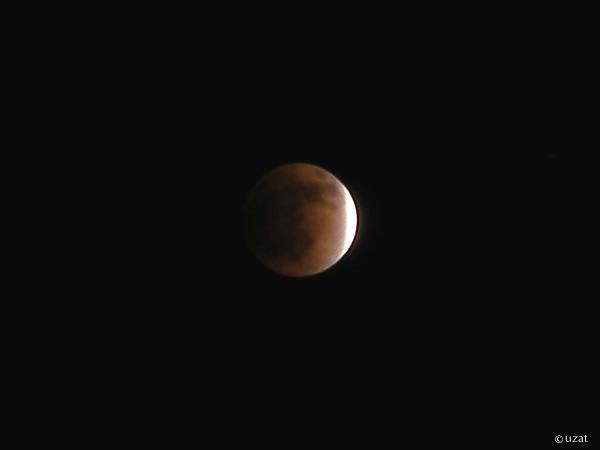 赤くみえる皆既月食