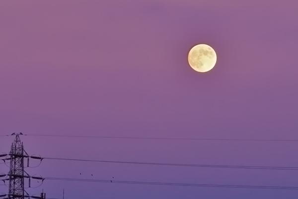 マジックアワーと月